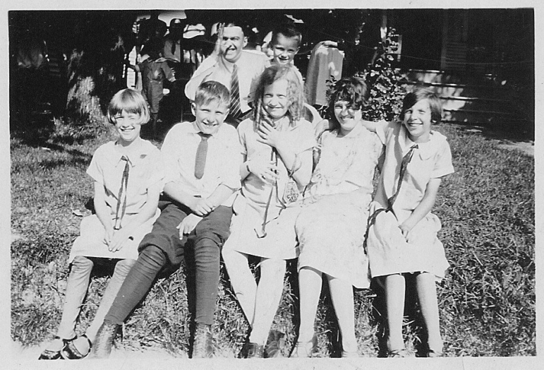 Dad with siblings & cousins ca. 1927
